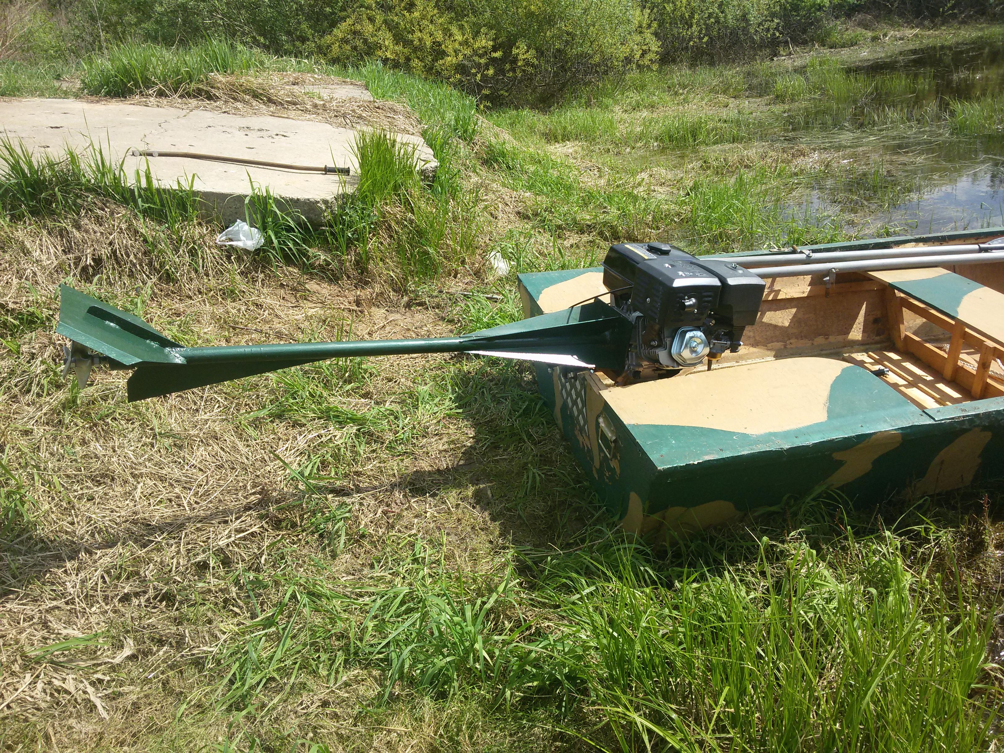 Продам подвесной лодочный мотор болотоход